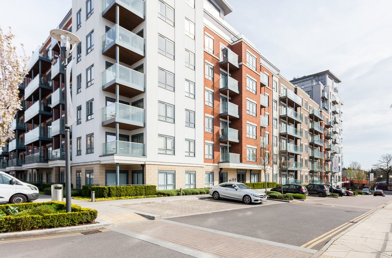 2 bedroom(s) apartment to sale in Empire House, East Drive, Beaufort Park, Colindale-image 16