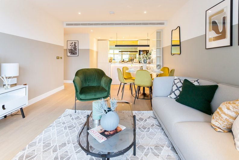 2 bedroom(s) apartment to sale in Fountain Park Way, London-image 6