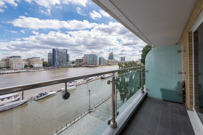 3 bedroom(s) apartment to sale in Riverside Tower , Imperial Wharf , London-image 2