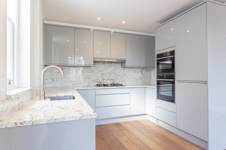 3 bedroom(s) apartment to sale in Greville Road, St. John's Wood Borders, London-image 3