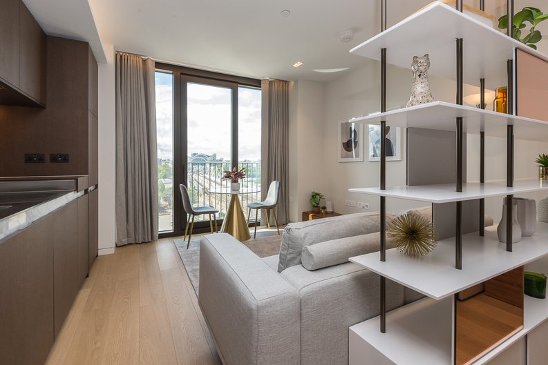 1 bedroom(s) apartment to sale in Casson Square, Southbank Place, Waterloo, London-image 6