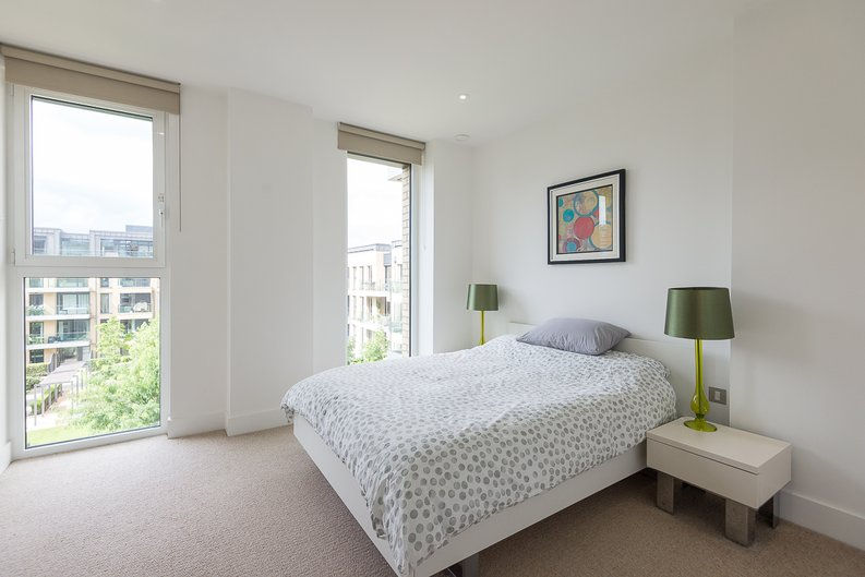 2 bedroom(s) apartment to sale in Westbourne Apartments, Central Avenue, Fulham-image 10