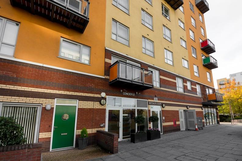2 bedroom(s) apartment to sale in Metcalfe Court, John Harrison Way, Greenwich Millennium Village , Greenwich-image 8