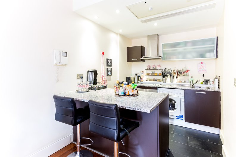 1 bedroom(s) apartment to sale in Peninsula Apartments, Praed Street, London-image 4