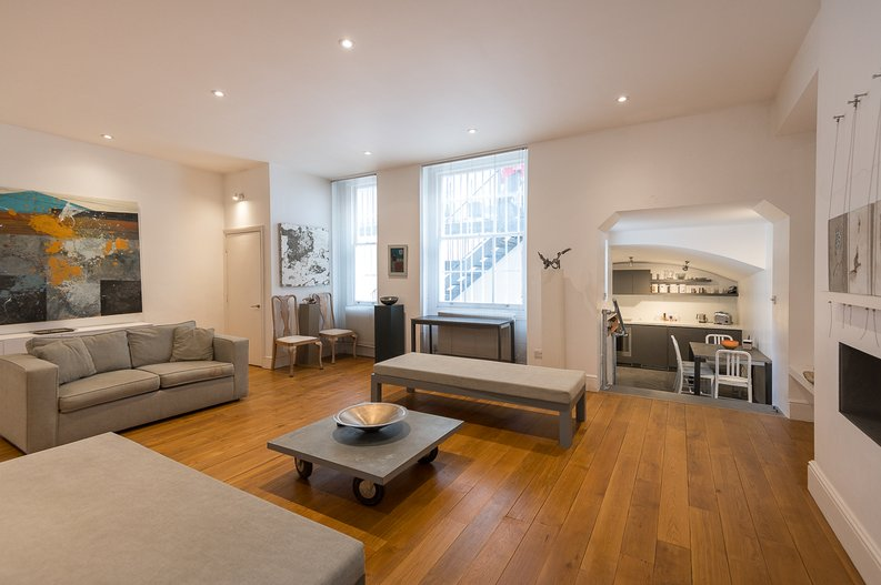 2 bedroom(s) house to sale in Queensberry Place, South Kensington-image 2
