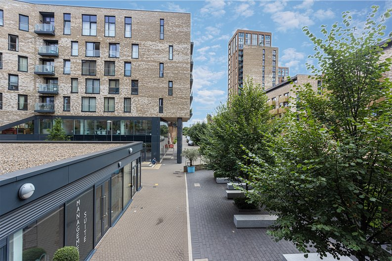 1 bedroom(s) apartment to sale in Seafarer Way, Surrey Quays, London-image 18