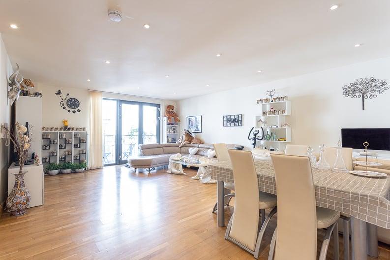 2 bedroom(s) apartment to sale in Roach Road, Hackney Wick, London-image 21