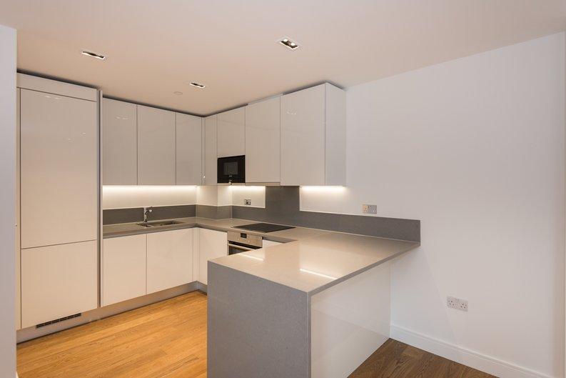 2 bedroom(s) apartment to sale in Dashwood House, Dickens Yard,, Ealing-image 6