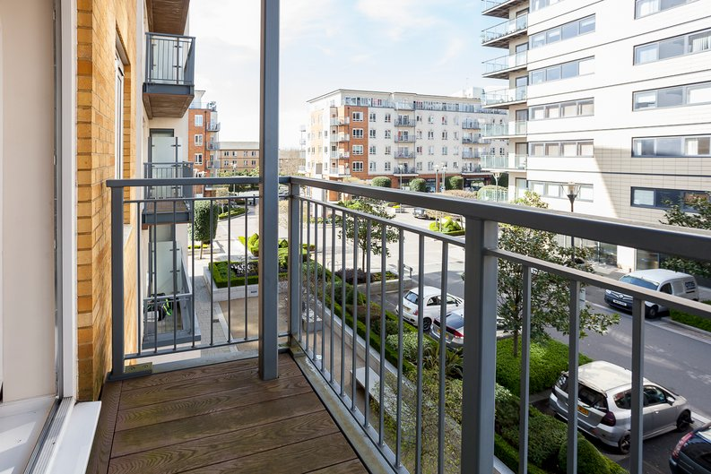 1 bedroom(s) apartment to sale in Croft House, 21 Heritage Avenue, Beaufort Park , London-image 4