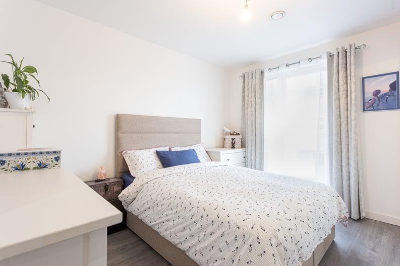 1 bedroom(s) apartment to sale in Moorhen Drive, London-image 3
