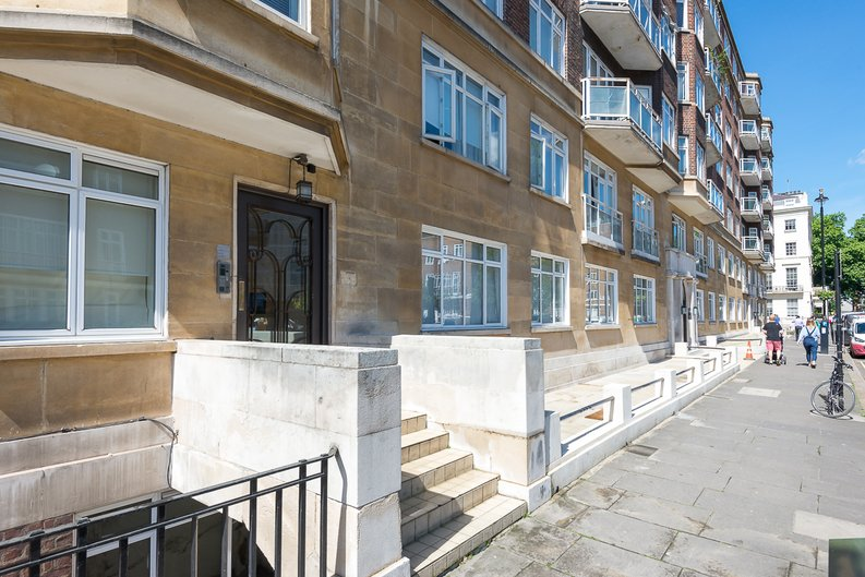 3 bedroom(s) apartment to sale in Stanhope Terrace, Hyde Park-image 13