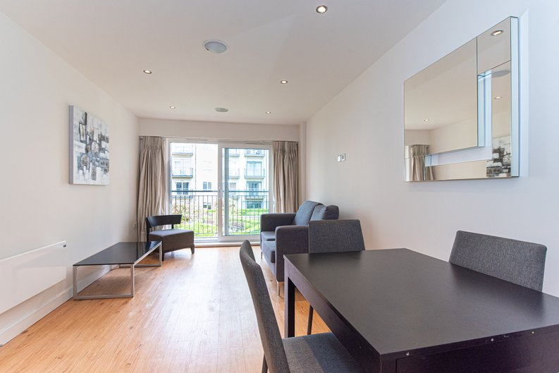 1 bedroom(s) apartment to sale in Heritage Avenue, London-image 12