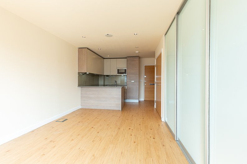 1 bedroom(s) apartment to sale in Curtiss House, Heritage Avenue, Beaufort Park , London-image 3