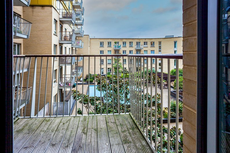 2 bedroom(s) apartment to sale in Eden Grove, Islington, London-image 5