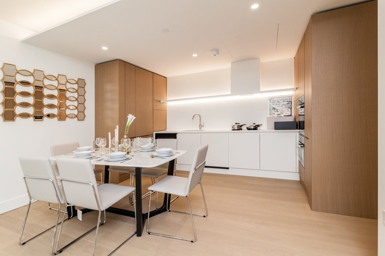 3 bedroom(s) apartment to sale in Rathbone Place, Fitzrovia-image 4