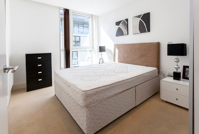1 bedroom(s) apartment to sale in Times Square, Whitechapel-image 5