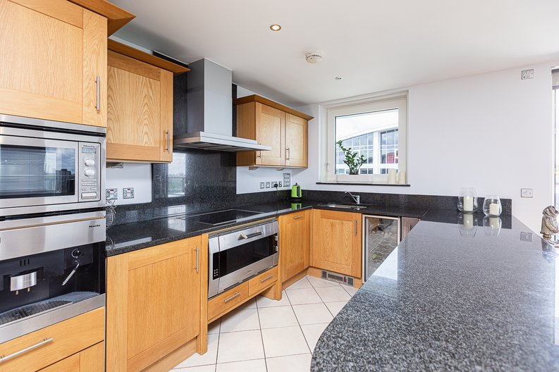 2 bedroom(s) apartment to sale in Lensbury Avenue, Imperial Wharf, Fulham-image 8