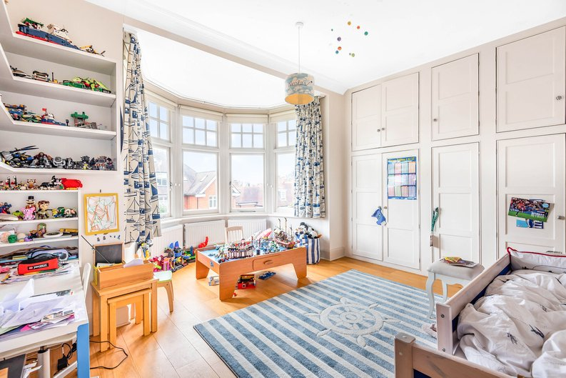 4 bedroom(s) apartment to sale in Bracknell Gardens, Hampstead, London-image 6