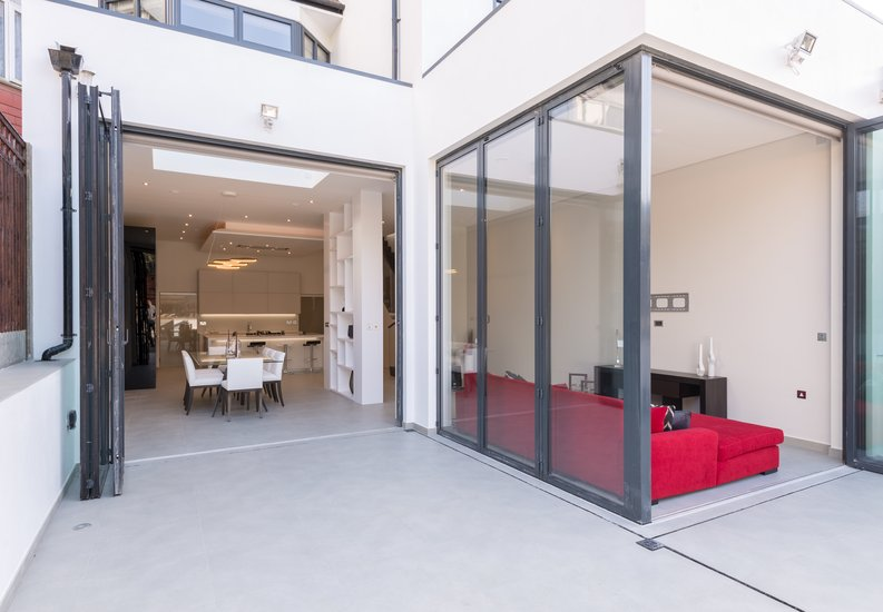 4 bedroom(s) house to sale in Middleton Road, Golders Green, London-image 2