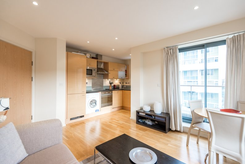 2 bedroom(s) apartment to sale in Ikon House, 447 Cable Street, Wapping, London-image 1