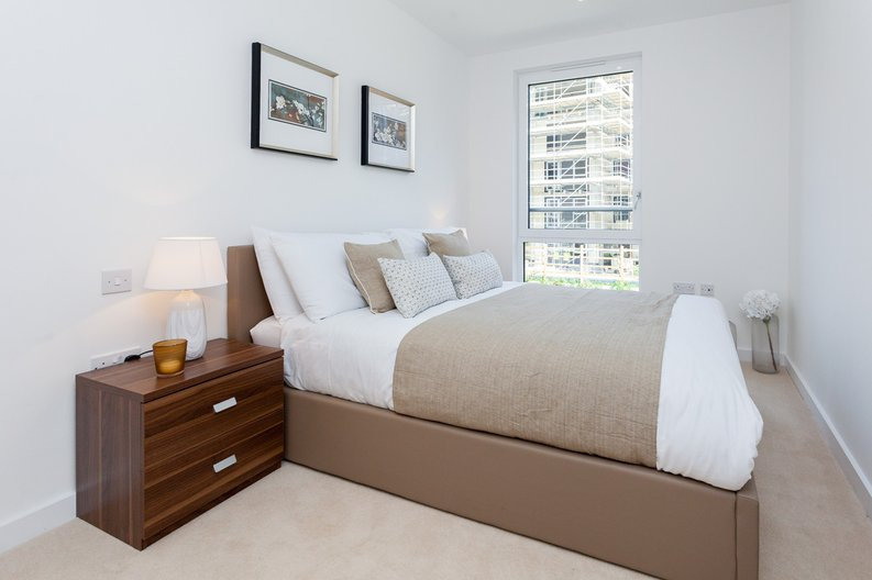 3 bedroom(s) apartment to sale in Endeavour House, Ashton Reach, Surrey Quay, London-image 6