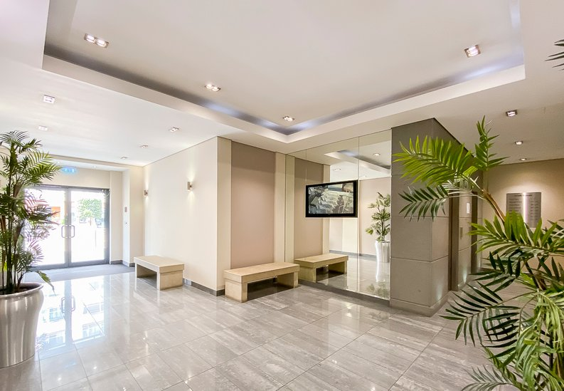 2 bedroom(s) apartment to sale in Croft House, 21 Heritage Avenue, Beaufort Park, Colindale-image 8