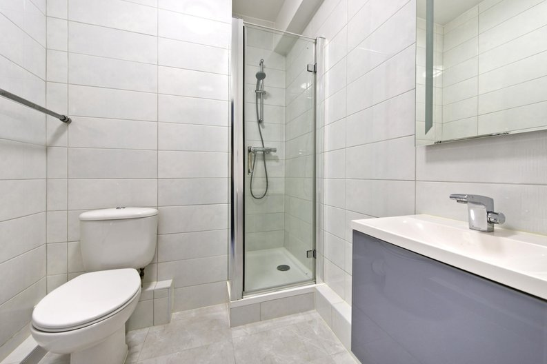 1 bedroom(s) apartment to sale in Broadwalk Court, Palace Gardens Terrace, Kensington-image 5