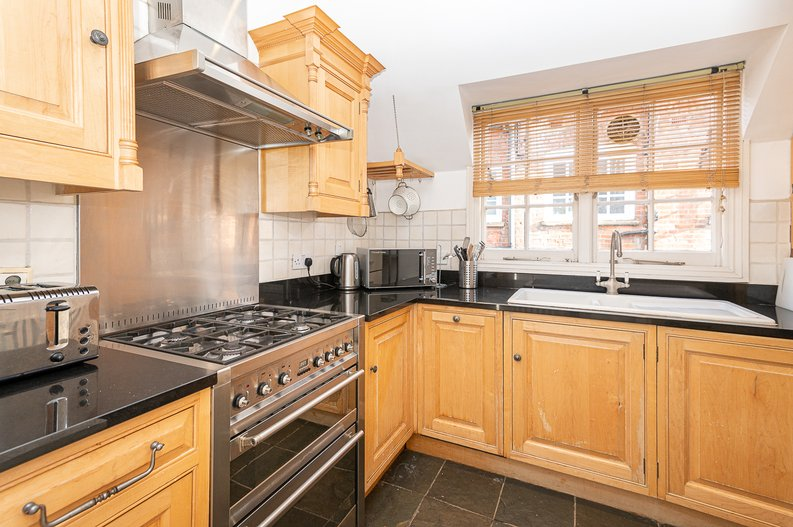2 bedroom(s) apartment to sale in Hollycroft Avenue, Hampstead, London-image 4