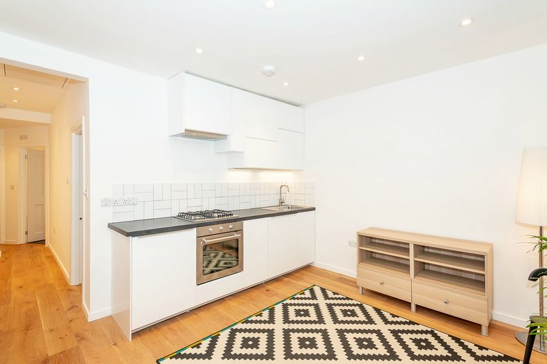 2 bedroom(s) apartment to sale in Third Avenue, Manor Park-image 3