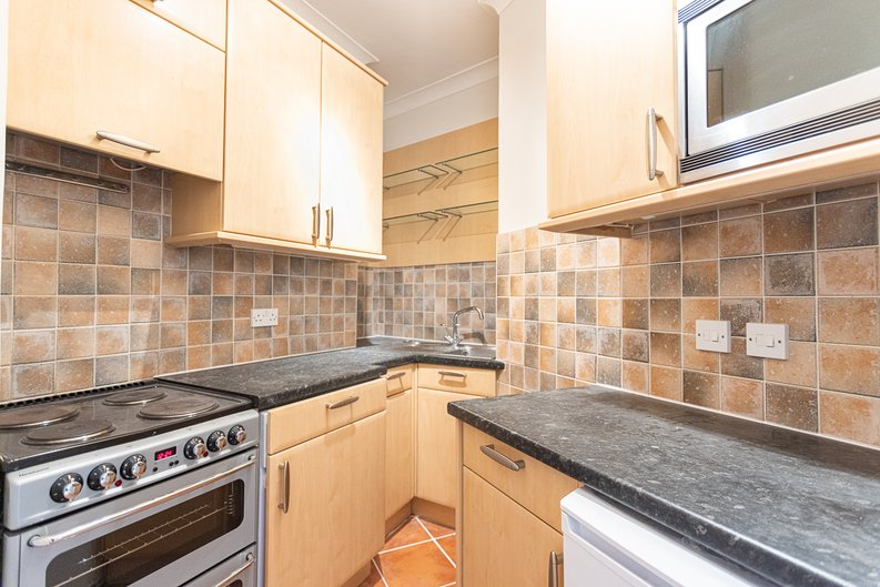 2 bedroom(s) apartment to sale in Mall Chambers, Kensington Mall, Notting Hill-image 4