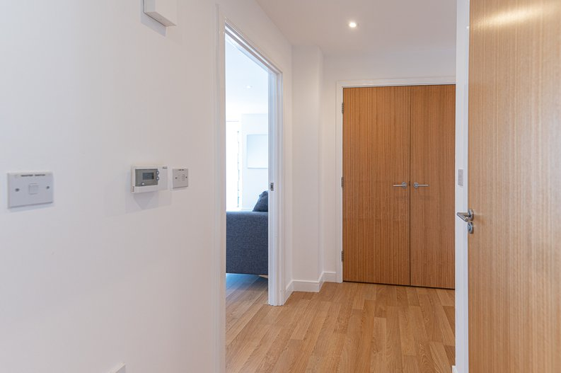 2 bedroom(s) apartment to sale in Goodchild Road, Woodberry Down, London-image 13