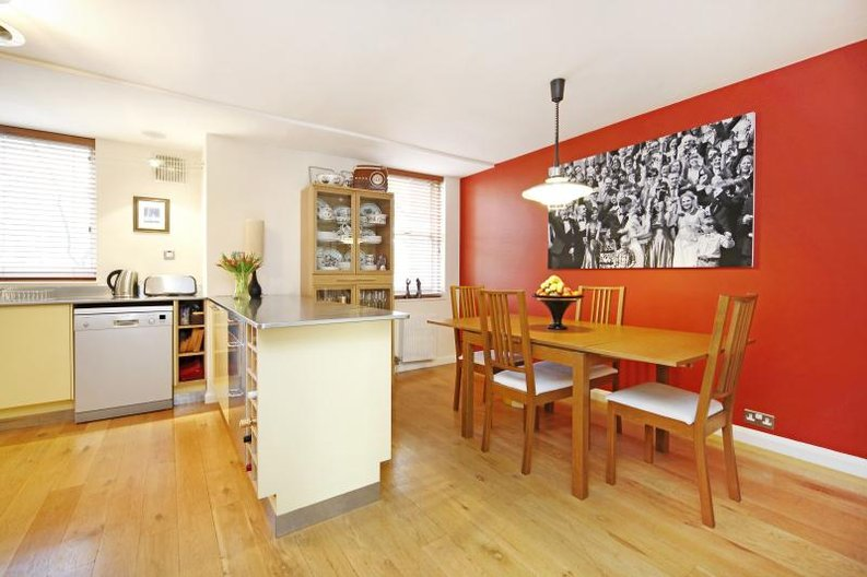 3 bedroom(s) apartment to sale in Anglebury House, Talbot Road, Notting Hill-image 2