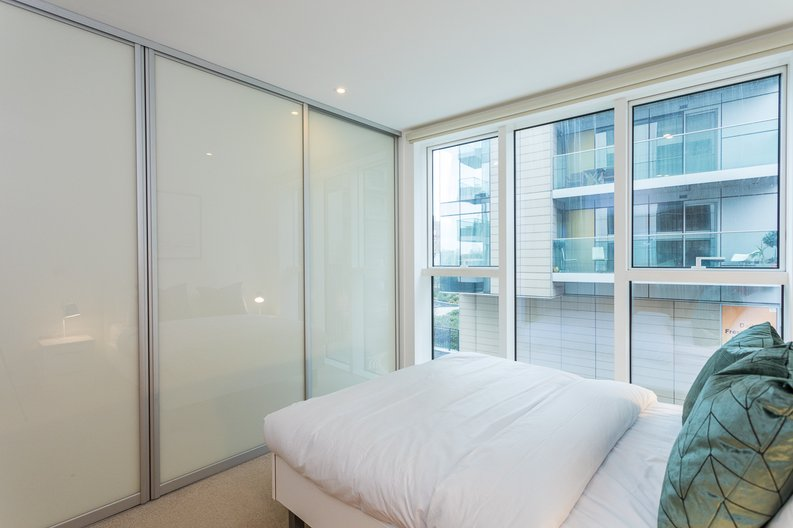 2 bedroom(s) apartment to sale in Riverside Apartments, Goodchild Road, Woodberry Down, Manor House-image 8