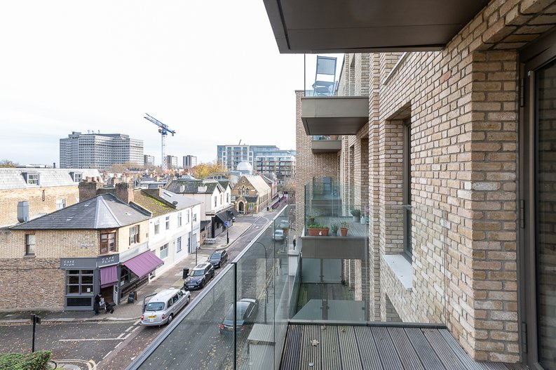 1 bedroom(s) apartment to sale in Queens Wharf, Crisp Road, Hammersmith-image 9
