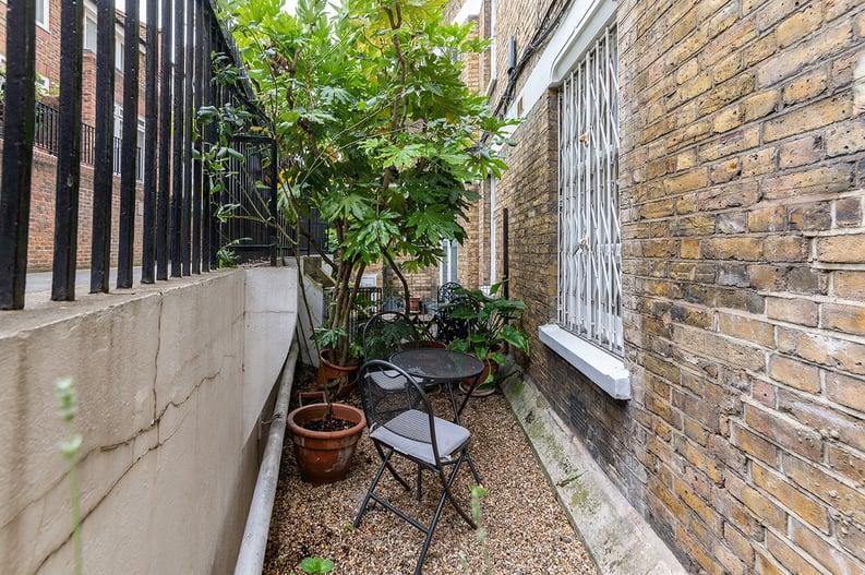 3 bedroom(s) apartment to sale in Walton Street, Kensington/Chelsea, London-image 12
