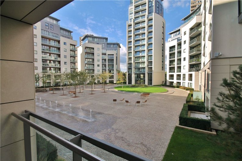 1 bedroom(s) apartment to sale in Pump House Crescent, Greater London, Brentford-image 9