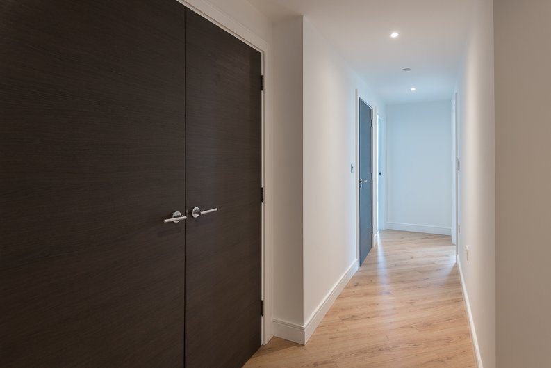 2 bedroom(s) apartment to sale in Lancaster House, Soverigen Court, Hammersmith , London-image 7