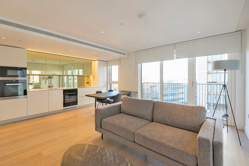 2 bedroom(s) apartment to sale in Fountain Park Way, White City, London-image 2