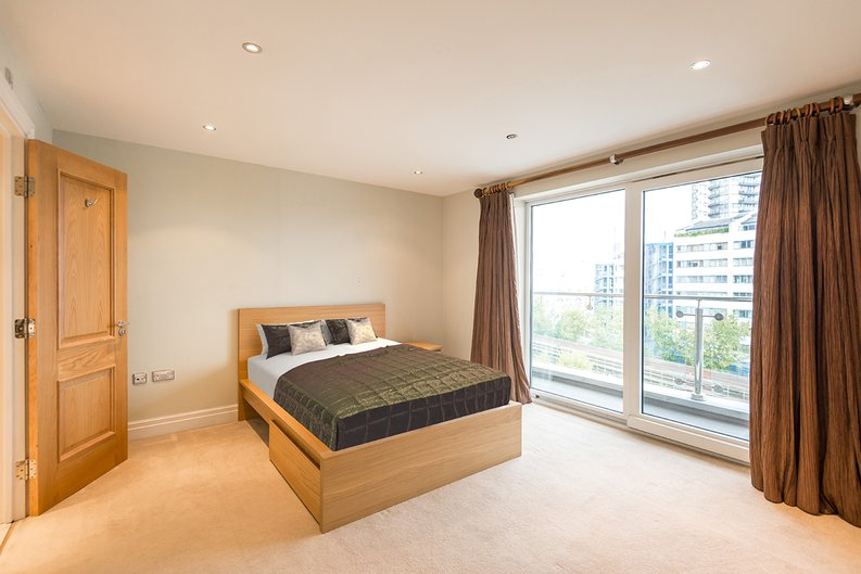 3 bedroom(s) apartment to sale in Waterside Tower, The Boulevard, Imperial Wharf, London-image 3