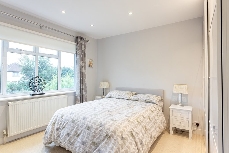 4 bedroom(s) house to sale in Hale Lane, Mill Hill, London-image 9