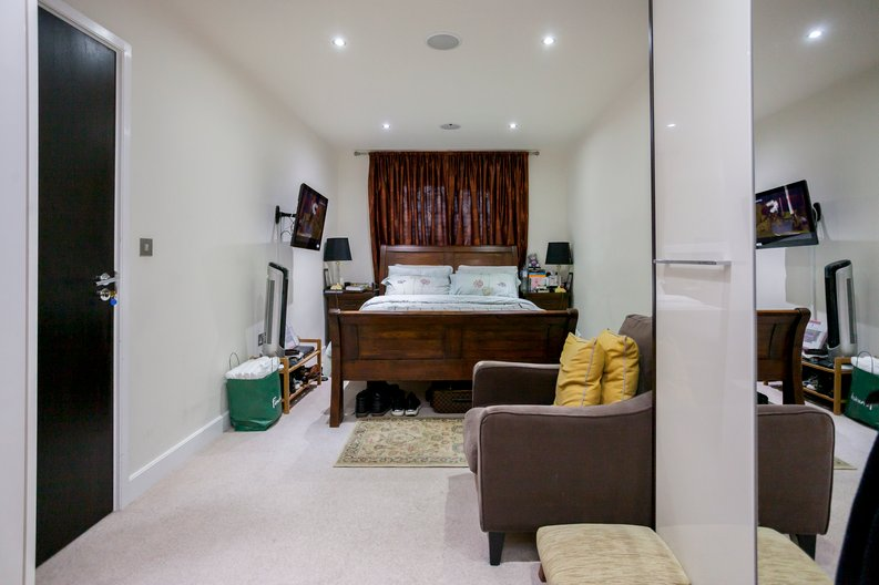 3 bedroom(s) apartment to sale in Cavendish House, Boulevard Drive, Beaufort Park, Colindale-image 1