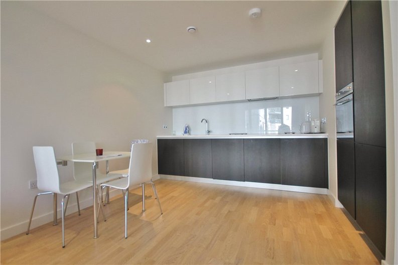 1 bedroom(s) apartment to sale in Pump House Crescent, Greater London, Brentford-image 3