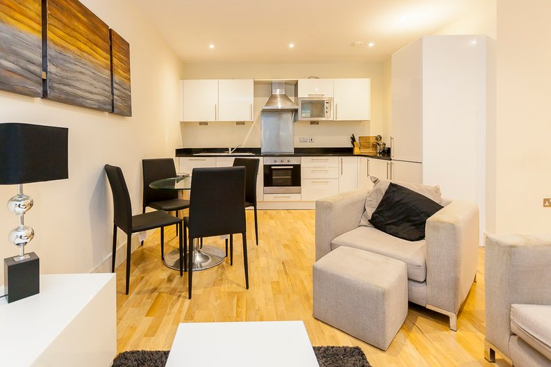 2 bedroom(s) apartment to sale in Denison House, Lanterns Court, Canary Wharf-image 3