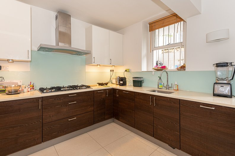 2 bedroom(s) apartment to sale in Thurlow Road, Hampstead, London-image 15