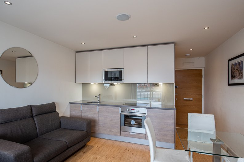 1 bedroom(s) apartment to sale in Curtiss House, 27 Heritage Avenue, Beaufort Park, Colindale-image 1