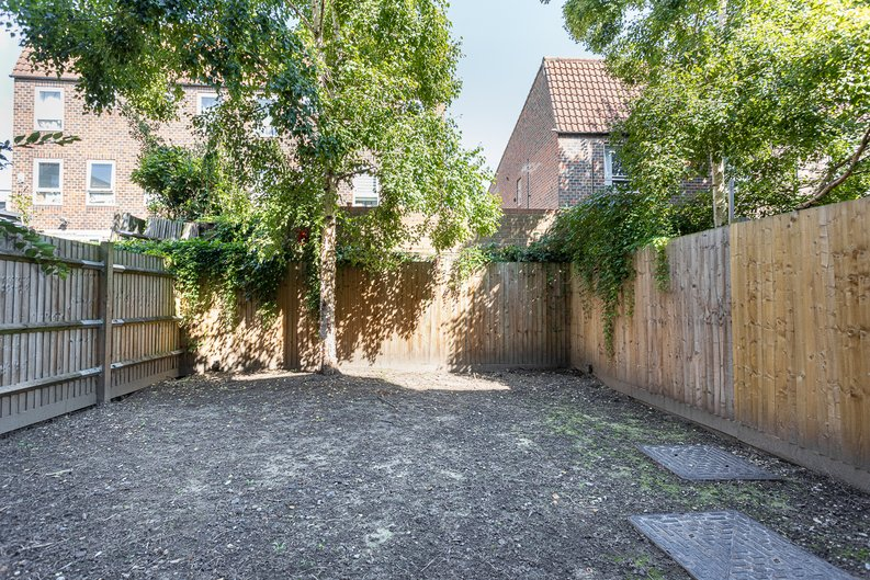 1 bedroom(s) apartment to sale in Ashton Reach, Surrey Quays, London-image 3
