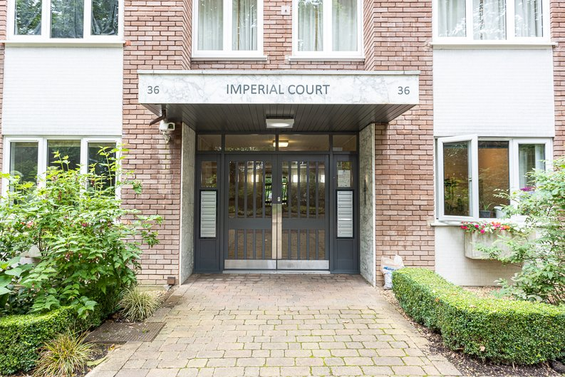 2 bedroom(s) apartment to sale in Imperial Court, Shepherds Hill, Highgate, London-image 18