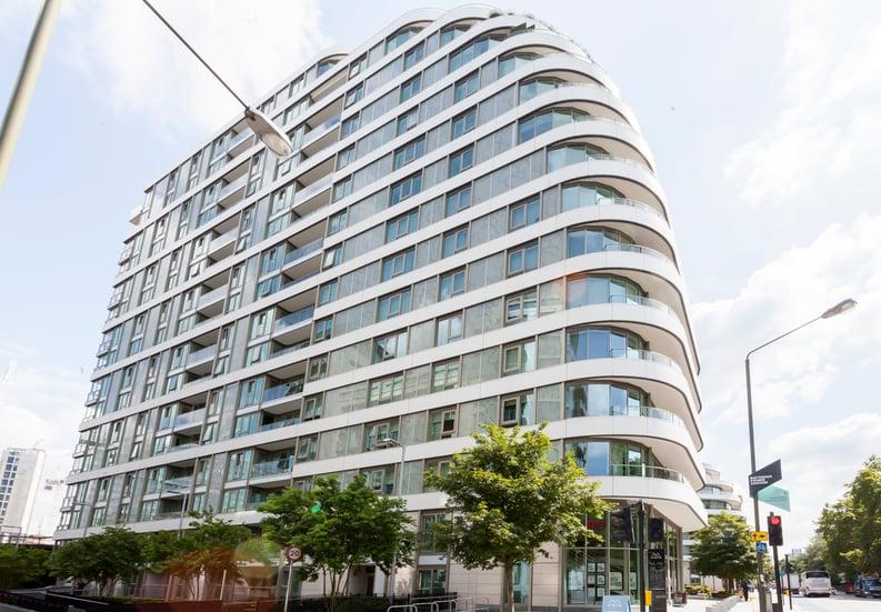 2 bedroom(s) apartment to sale in Cascade Court, Vista Chelsea Bridge, Battersea-image 1