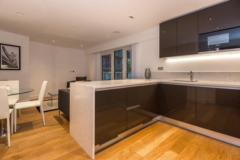 1 bedroom(s) apartment to sale in Fitzroy House, Dickens Yard, Ealing-image 2