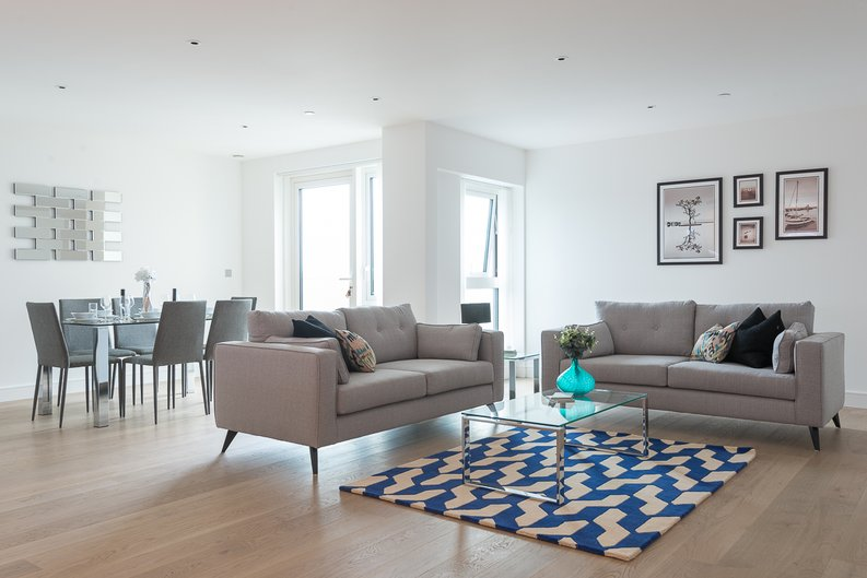 2 bedroom(s) apartment to sale in Longfield Avenue, Ealing, London-image 9